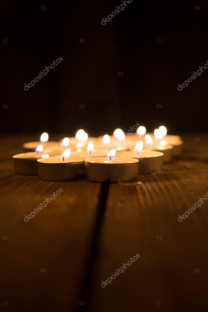 Flera ljus i morkret