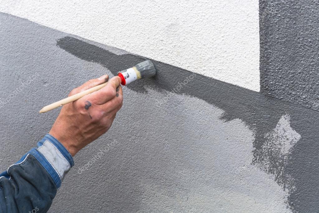 Maler Mit Farbrolle In Der Hand Stockfoto Nikd51 120663366