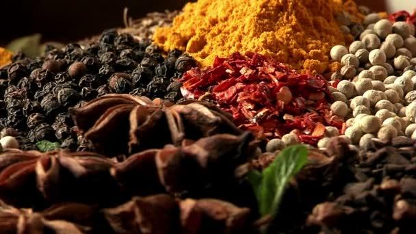Paleta různých potravin koření. Makro