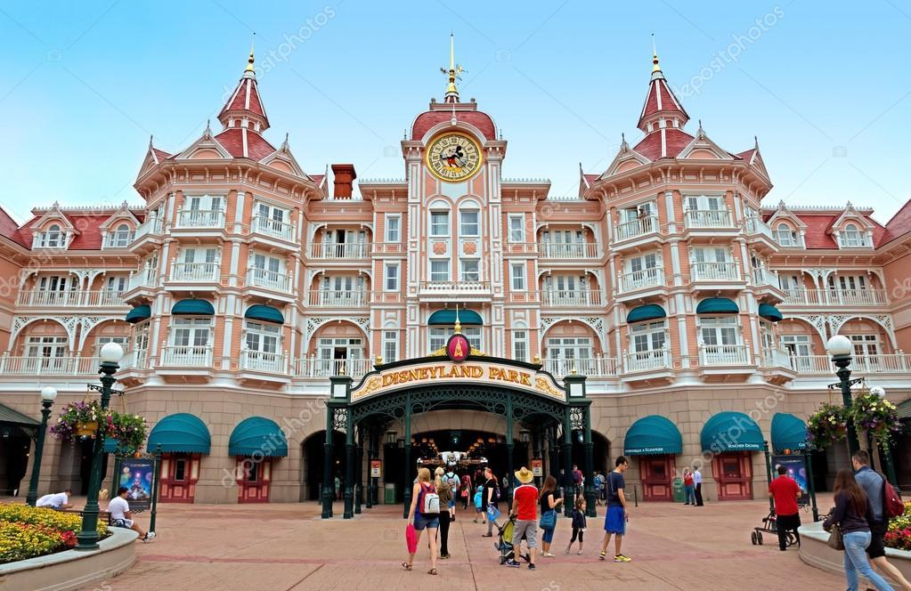 Disneyland - Ingresso principale al parco — Foto ...