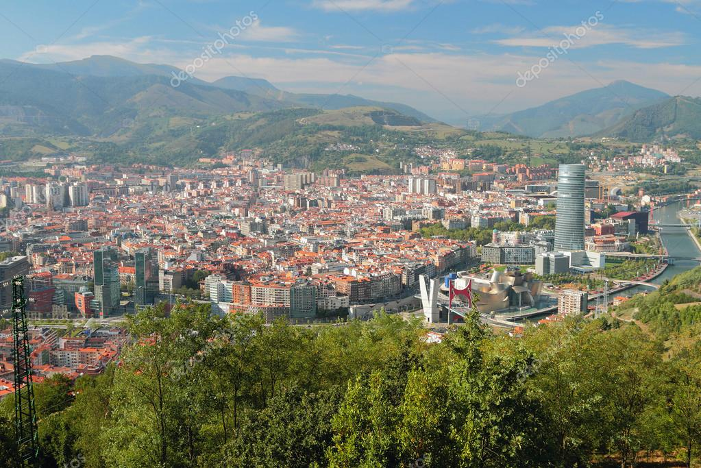 View of city from above bilbao spain stock photo for Piscine bilbao