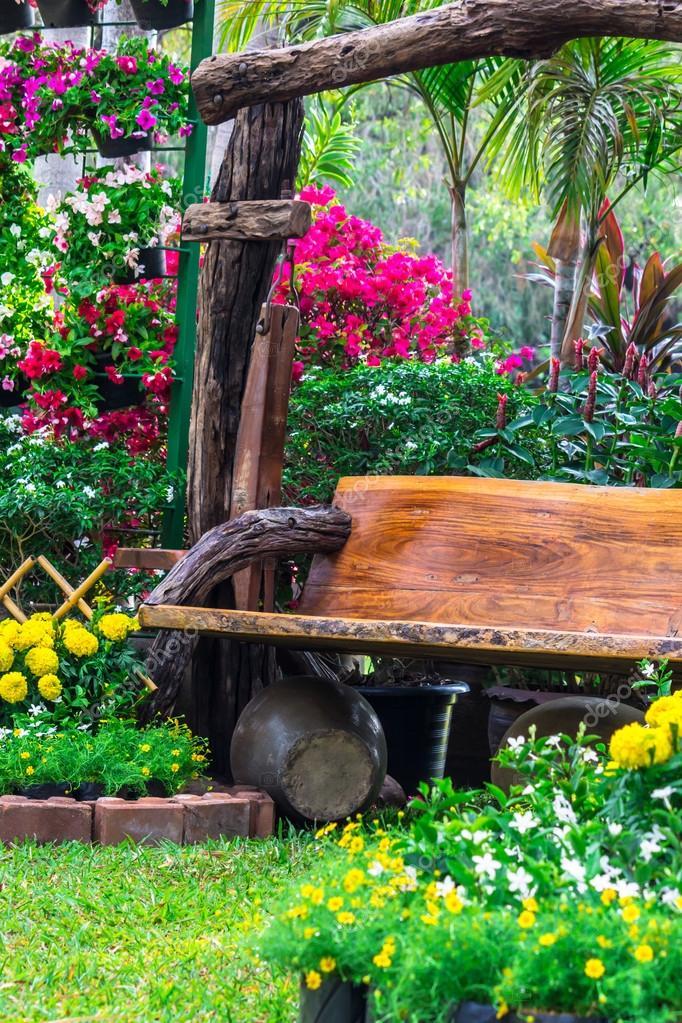 Garten Holz Moccabunny100812670 Blumen— Stockfoto © Stuhl Im VpSUzMq