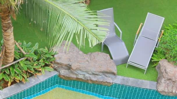 Plavecký bazén v zahradě, Hd vdo.