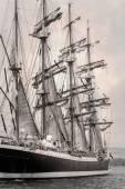 stará loď s bílým prodej v černé a bílé