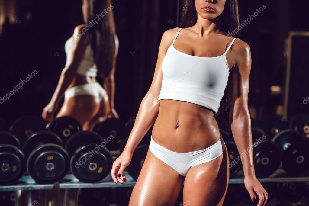 Спортивные тела сексуальных девочки