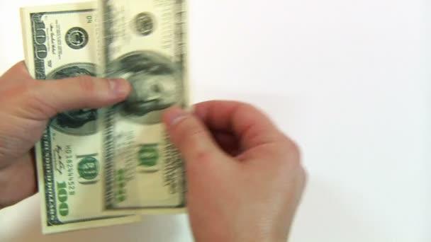 člověk počítat peníze