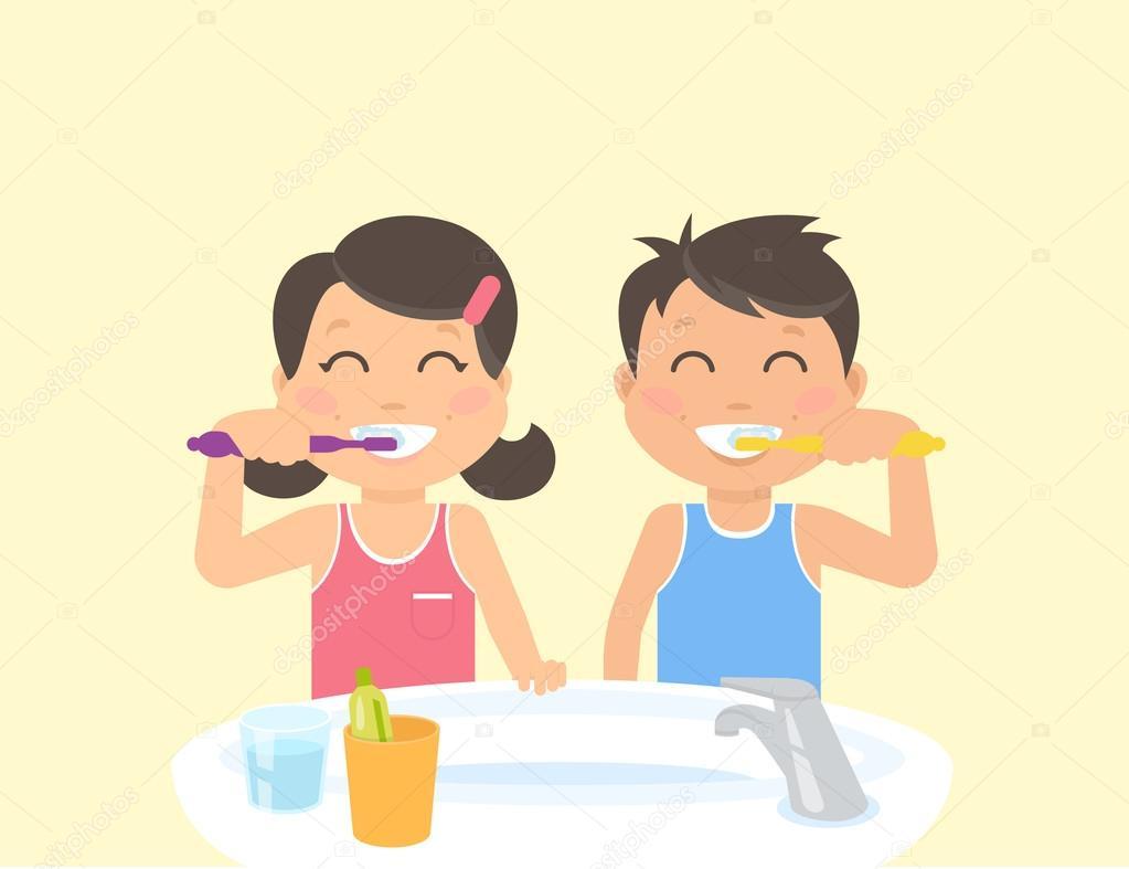 Glückliche Kinder stehen im Badezimmer in der Nähe von Waschbecken ...
