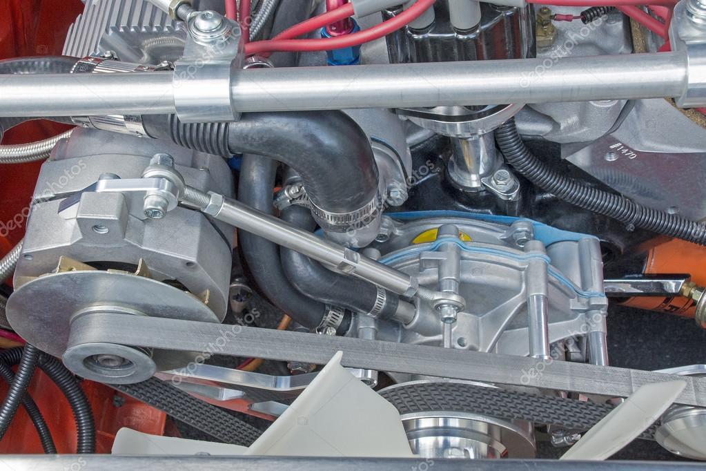 Riemen angetrieben Motor-Zubehör — Stockfoto © OFranz #90640962