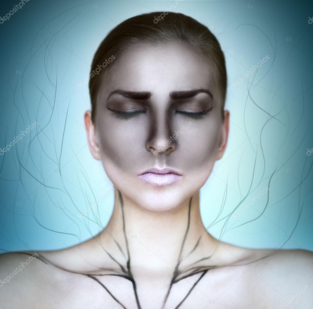 Cilt Ve Kapalı Göz Boyama Ile Kadın Stok Foto Smanyuk 101921956