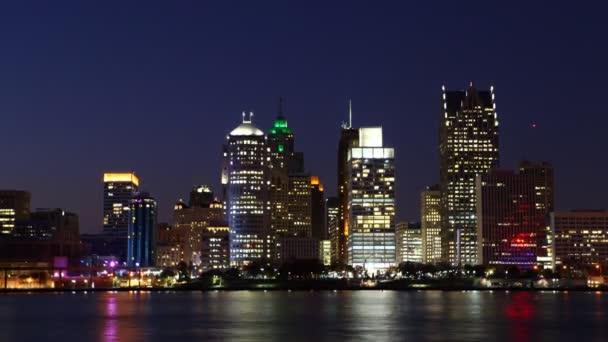 Timelapse Detroit Panorama v noci přes řeku