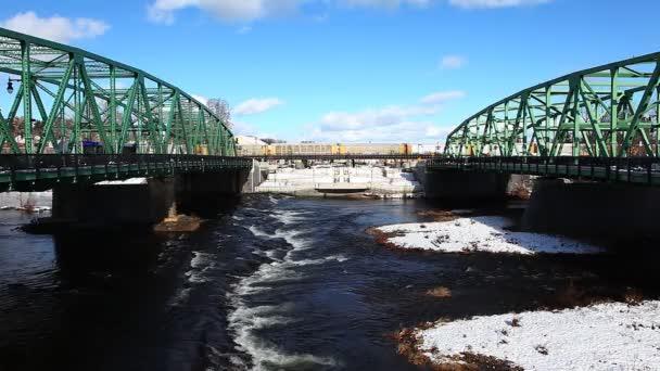 Pohled na twin mosty v zimě