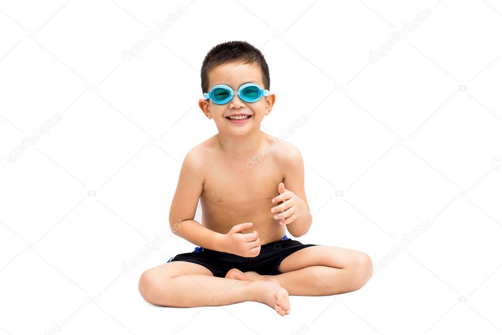 Pantaloncini Da Bagno Ragazzo : Ritratto di giovane ragazzino in costume da bagno e occhialini da