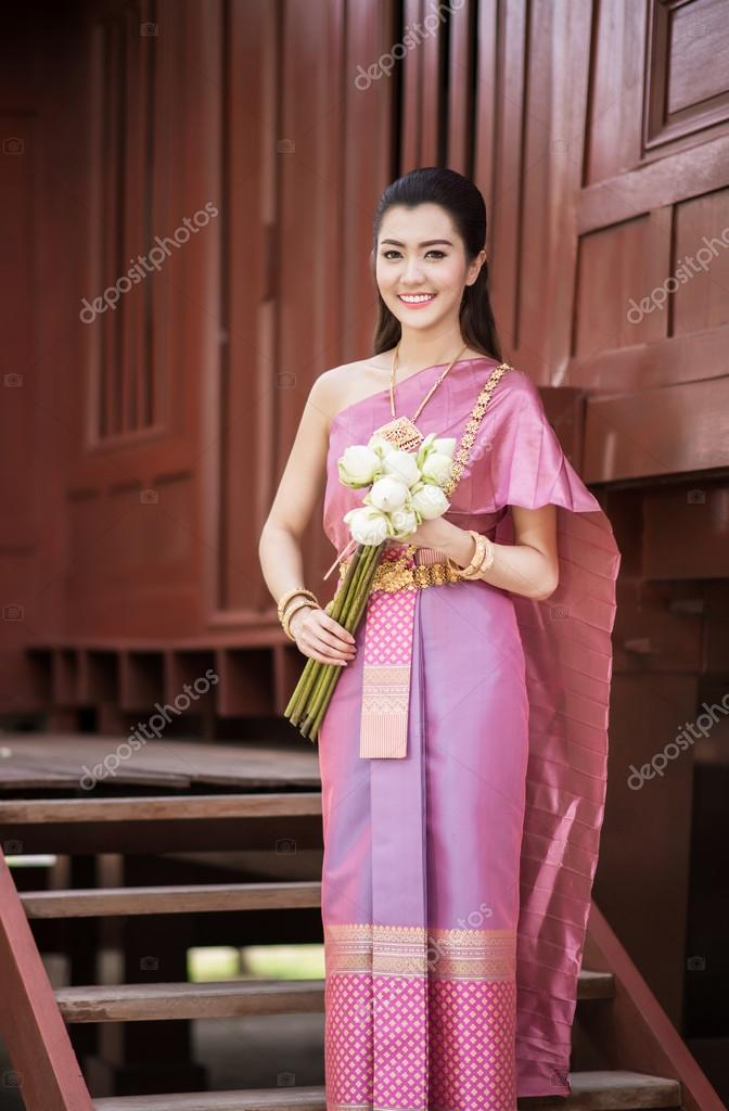 Beautiful Thai Girl In Thai Traditional Costume  Stock -9319