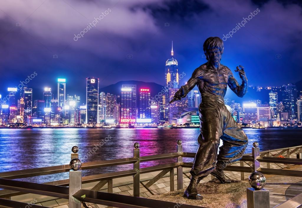 Hong Kong. JUNE 08,  bruce Lee's statue at night in Hong Kong's