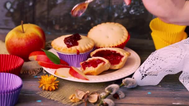cake basket berry jam nuts filling wooden table rustic rural muffin, cupcake arm hand