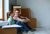 Ehepaar zieht in Haus ein