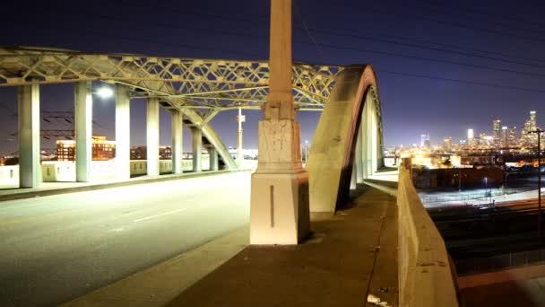 historický most v ulici 6 v Los Angeles