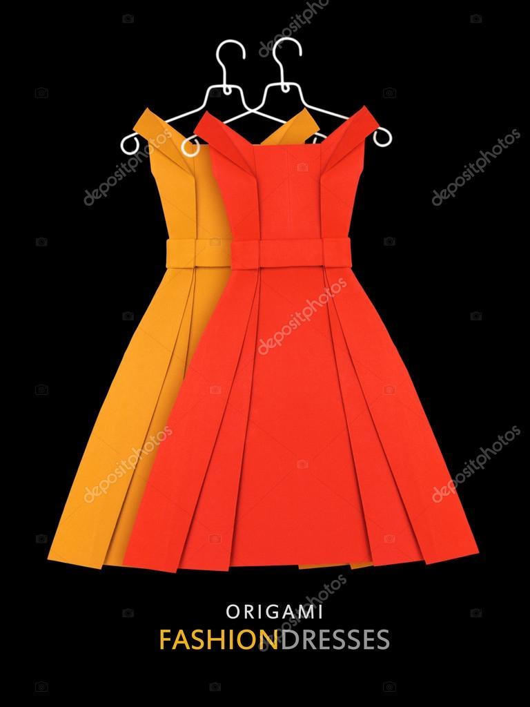 64973554ba36 Χαρτί origami κίτρινα και κόκκινα φορέματα — Φωτογραφία Αρχείου ...