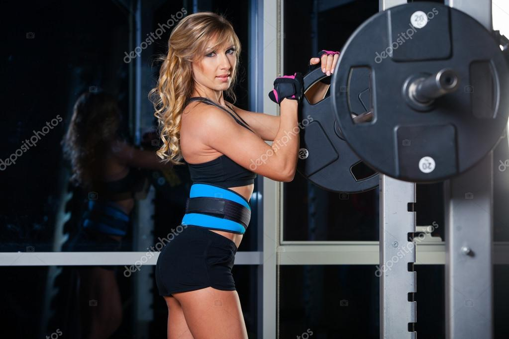 Fitness blonde sexy — img 12