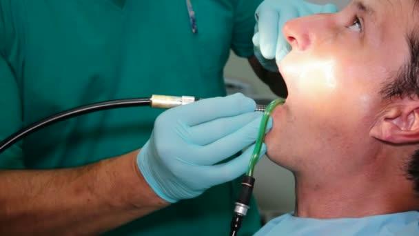 Spravování pacient zuby
