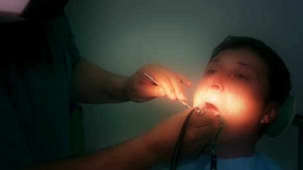 Mending patients teeth