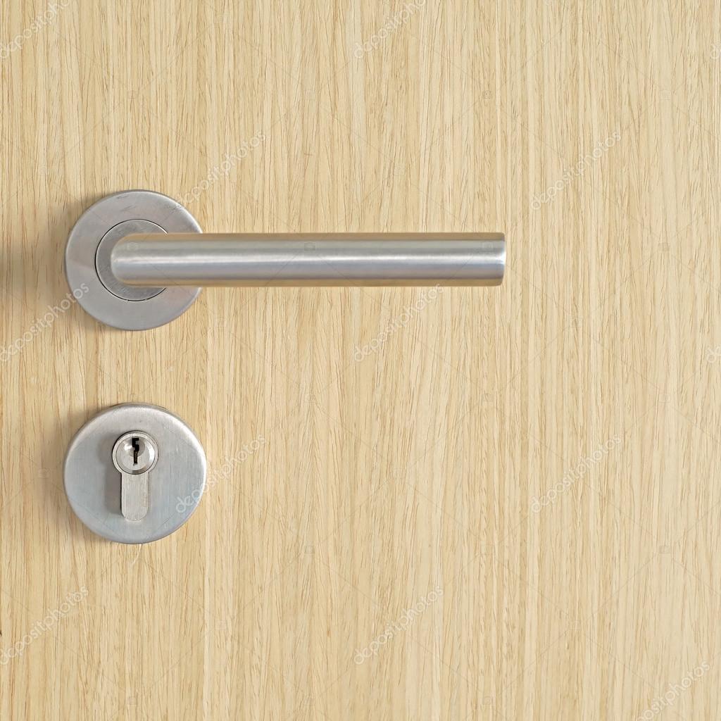 Door handle and keyhole on wooden door \u2014 Photo by leisuretime13  sc 1 st  Depositphotos & door handle and keyhole \u2014 Stock Photo © leisuretime13 #122721870