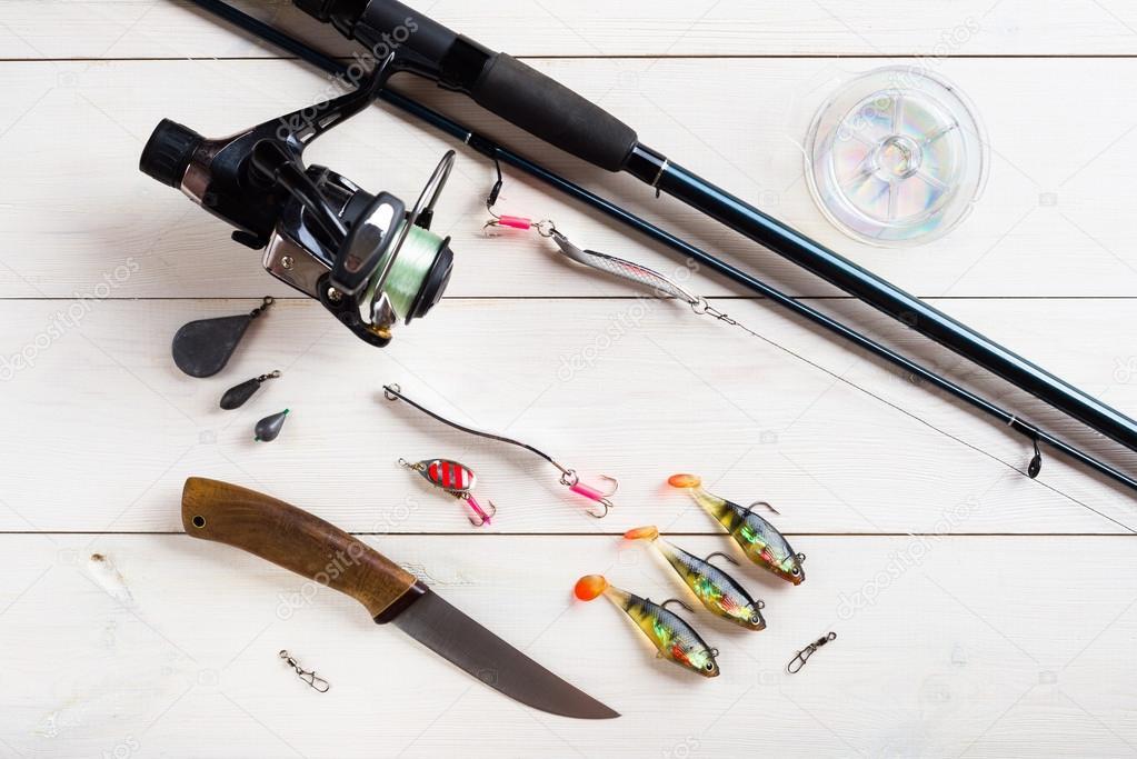 acessórios de pesca em cima da mesa — Fotografias de Stock © nioloxs ... 21d9f01feb1