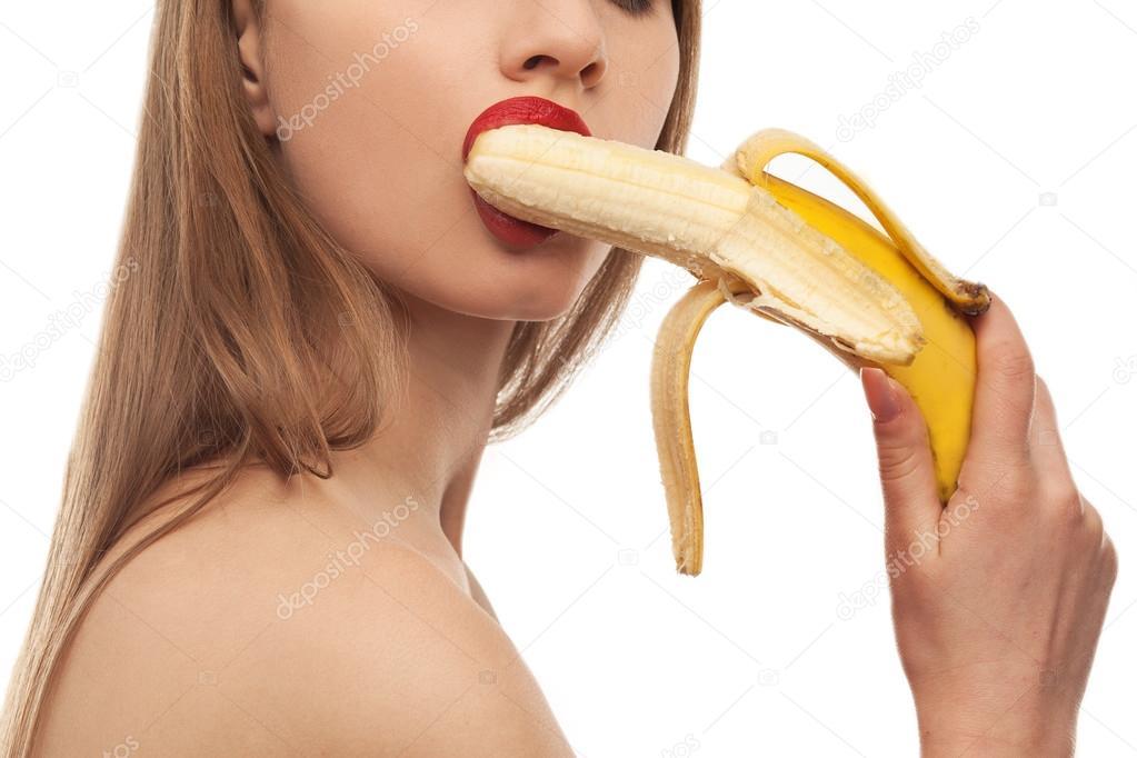 Банан в оральном сексе