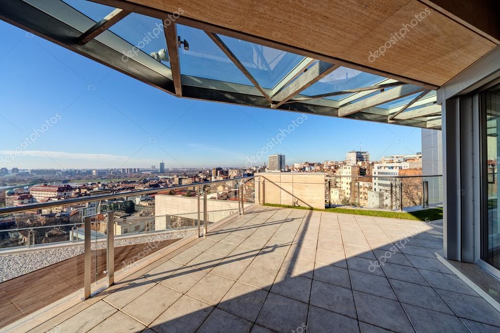 Moderno Edificio Terraza Fotos De Stock Vladimirnenezic