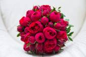 bouquet da sposa belle rose rosse