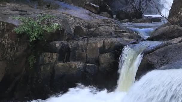 Wasserfall in Nakornnayok, Thailand