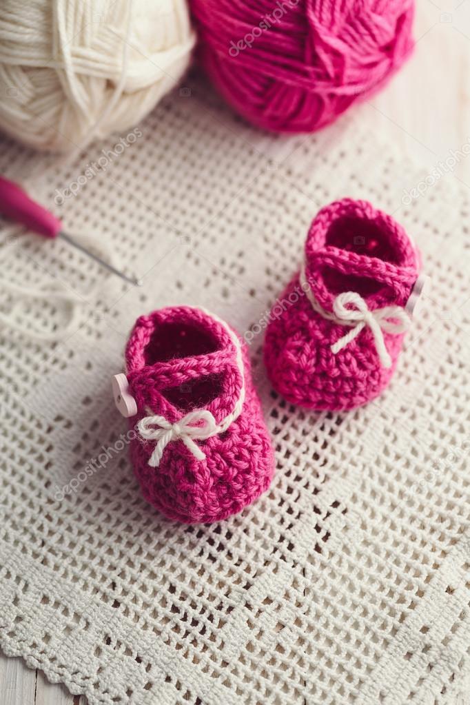 häkeln Baby booties — Stockfoto © Melica #100697284