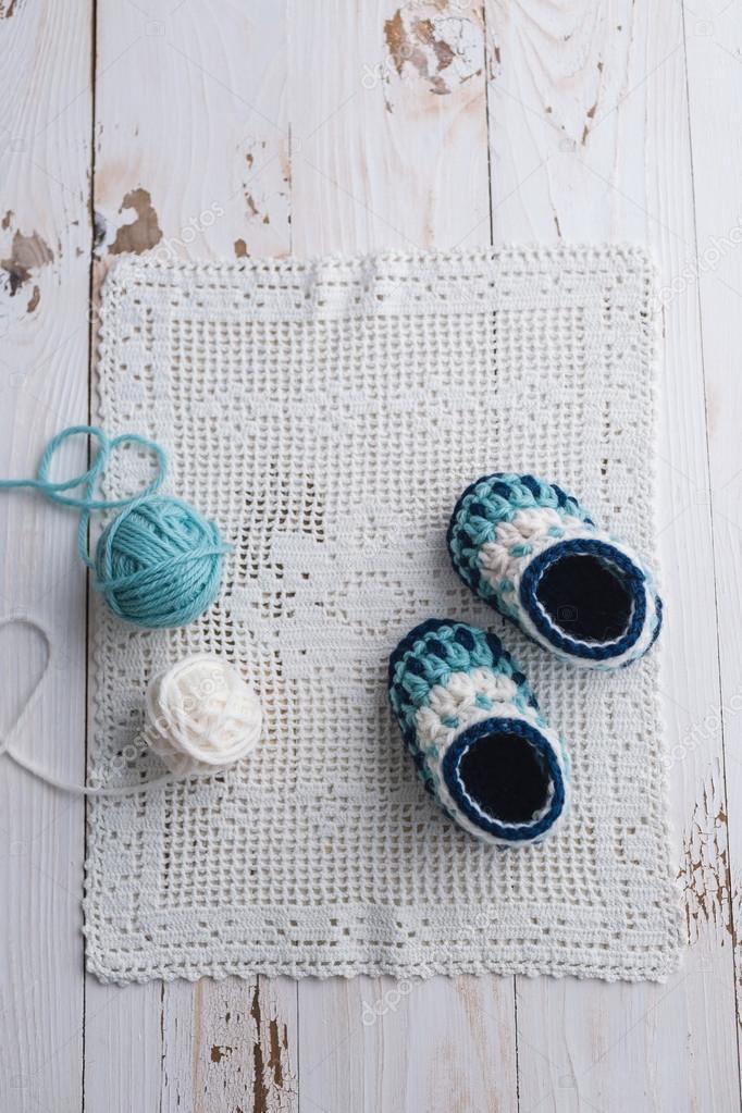 häkeln Baby booties — Stockfoto © Melica #100701774
