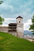 Fotografie část Trenčína hradní zdi