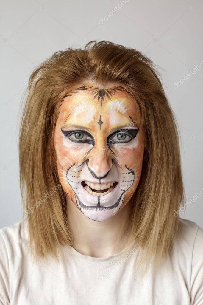 Lion O Face Paint