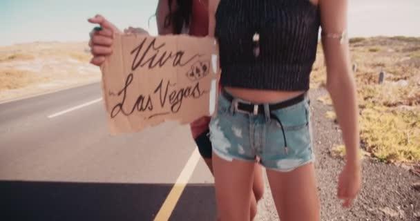 Kamarádkami stopem do Las Vegas