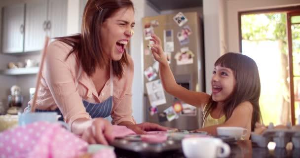 Maminka a dcera spolu s fun