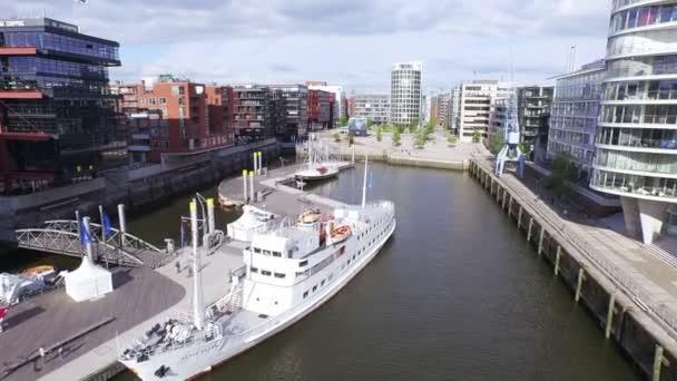 Traditionshafen in der Hafencity Hamburg