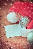 Vánoční koule a je Sanat klobouk