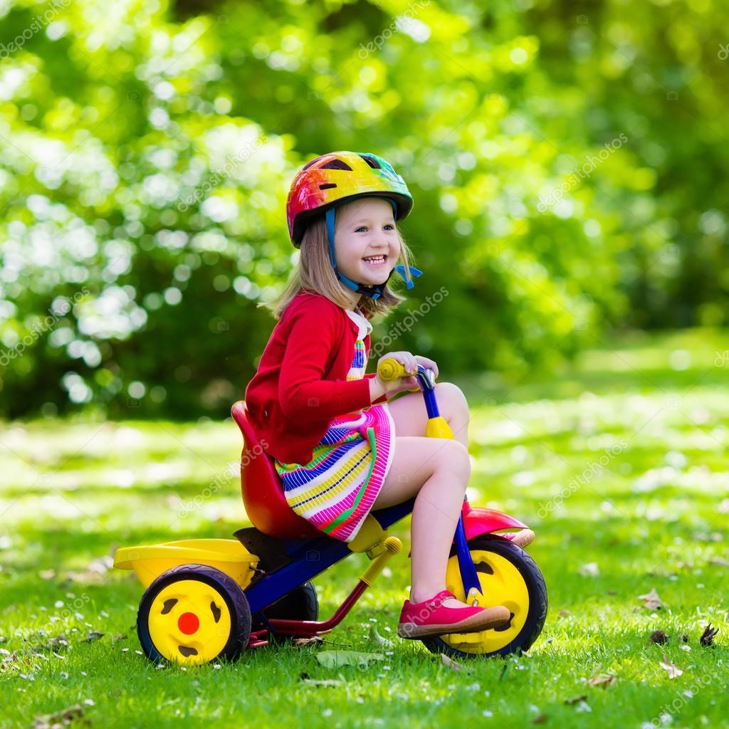 tricycle petite fille