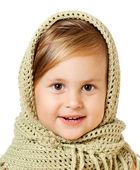 Roztomilé dítě v pletené čepici