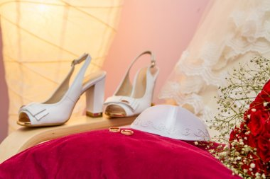 Kippah of groom and wedding rings