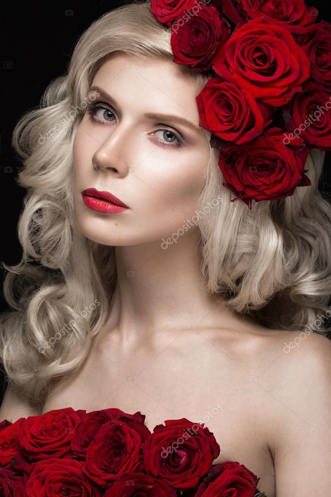 Beautiful blond with roses picture 971