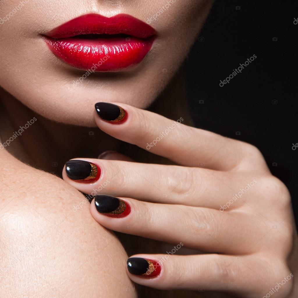 красные ногти эро фото