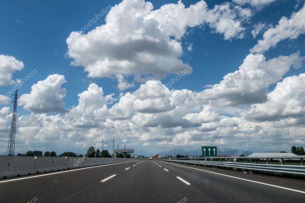 Фотообои  road with blue sky