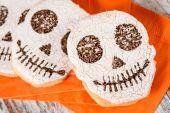 Photo cakes skull shapes