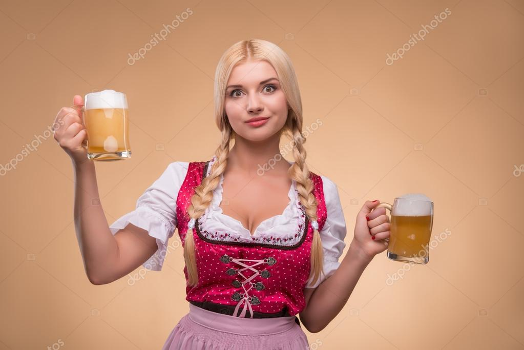 Сексуальная блондинка каритнка