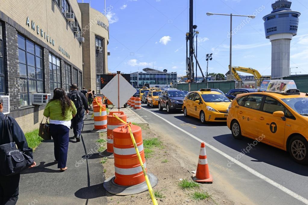 Traffic delays and construction at LaGuardia Airport (LGA