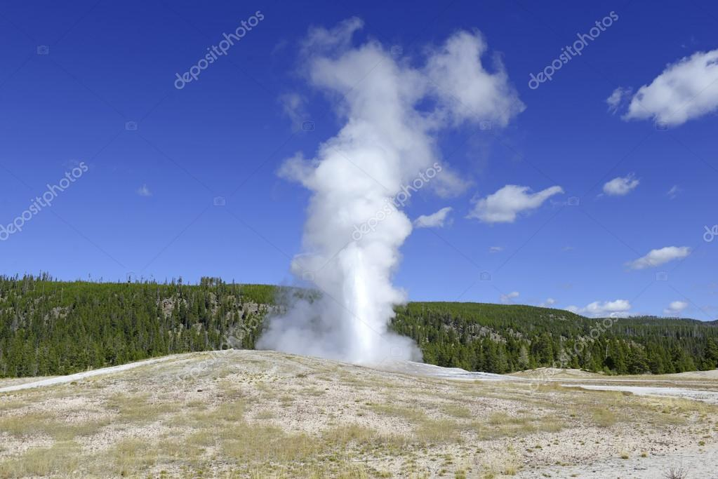 Old Faithful Geysrer eruption, Yellowstone National Park
