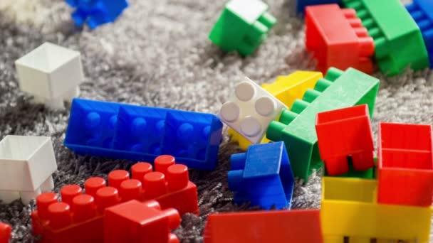 Barevné budovy pro děti